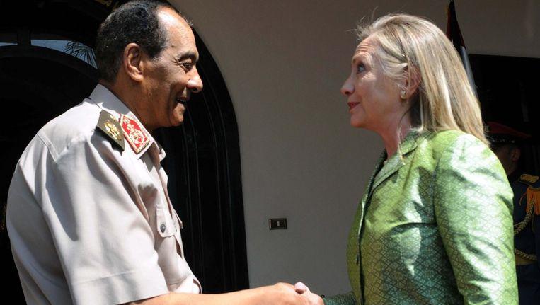 Hillary Clinton en veldmaarschalk Hussein Tantawi Beeld epa