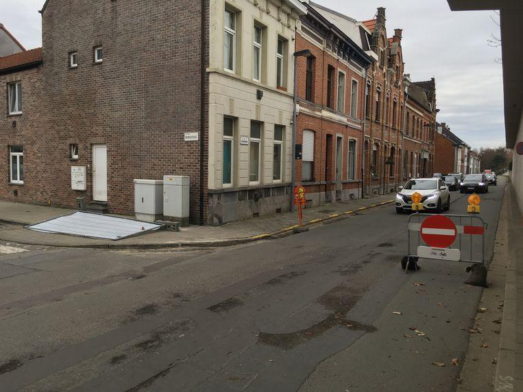 Sinds gisteren is de proefopstelling met eenrichtingsverkeer in de Uebergdreef van start gegaan.