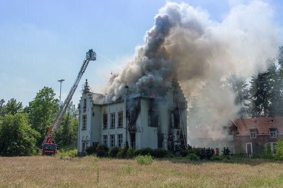 Een zware brand verwoeste het kasteel in 2015
