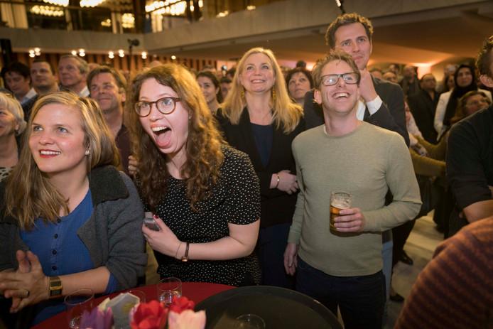 GroenLinks, hier opgetogen na de verkiezingsuitslag, neemt als grootste partij van Arnhem het voortouw bij de coalitiebesprekingen.
