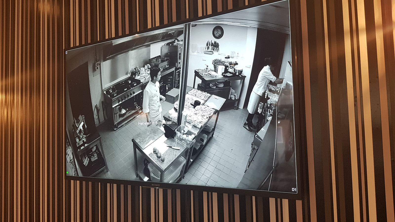 Gasten kunnen volgen hoe in de keuken de gerechten worden bereid.