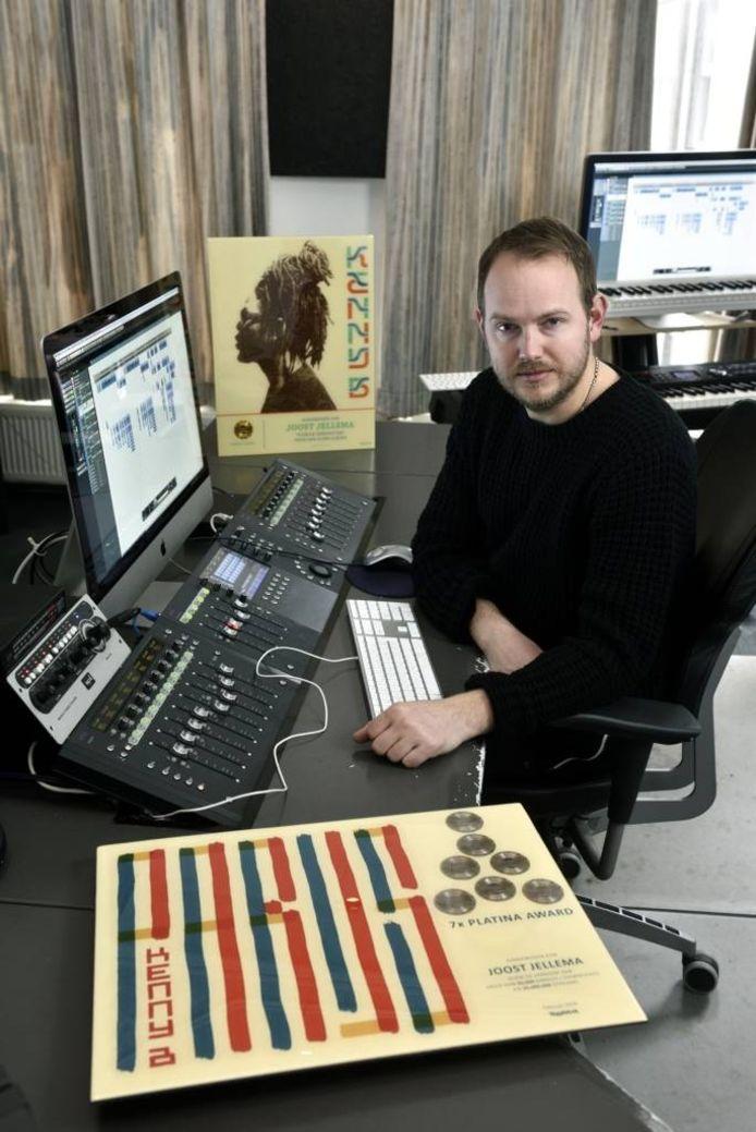 Joost Jellema in zijn studio in Arnhem.