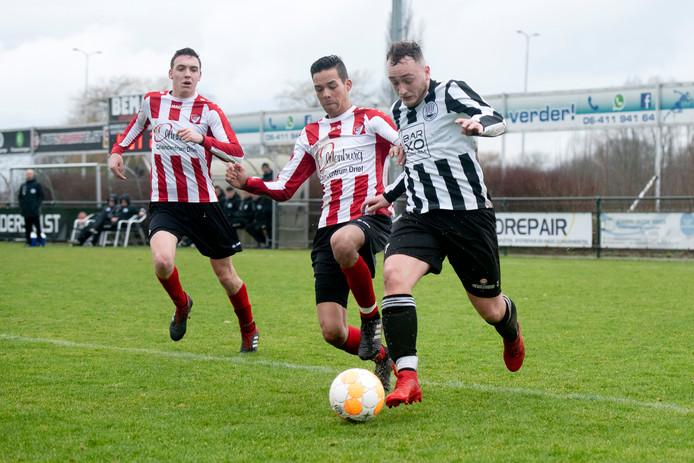 Een moment uit de derby tussen Eldenia en Arnhemse Boys in februari van dit jaar.