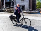 Burgemeester Jan van Zanen neemt fietsend afscheid van Utrecht