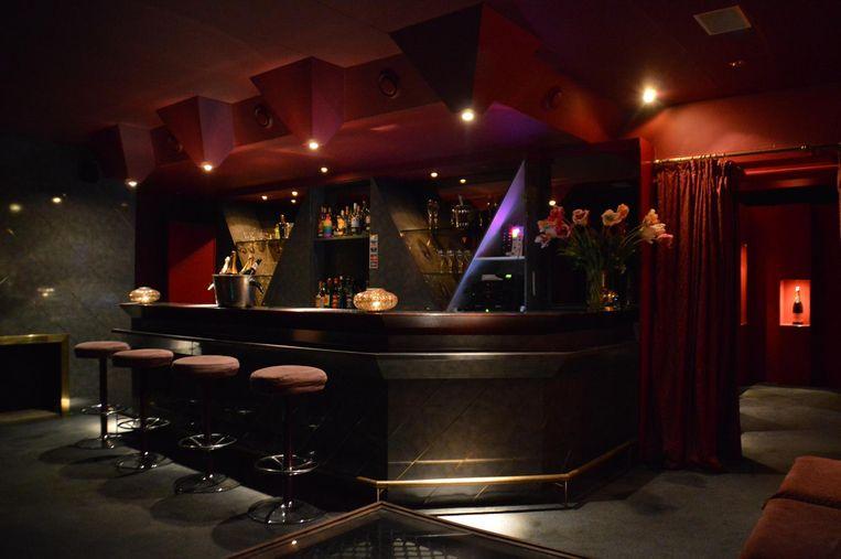 De bar van de club.