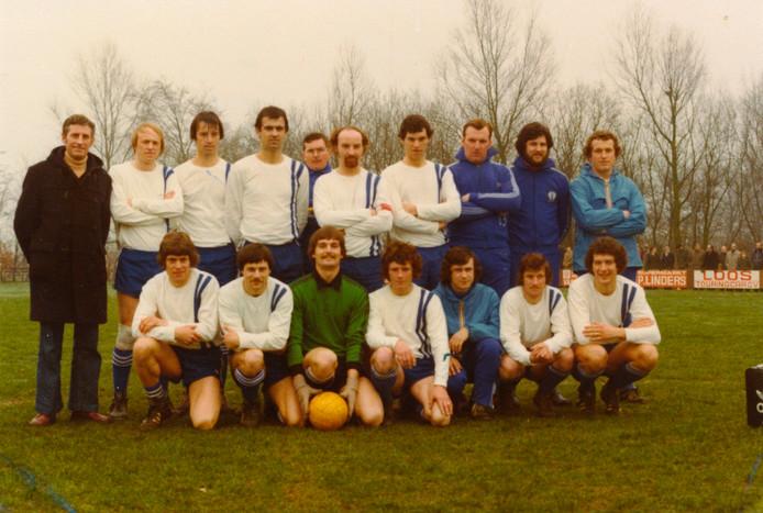 Cluzona, 40 jaar geleden in 1977 óók Tweedeklasser en op twee winstpunten na Eersteklasser