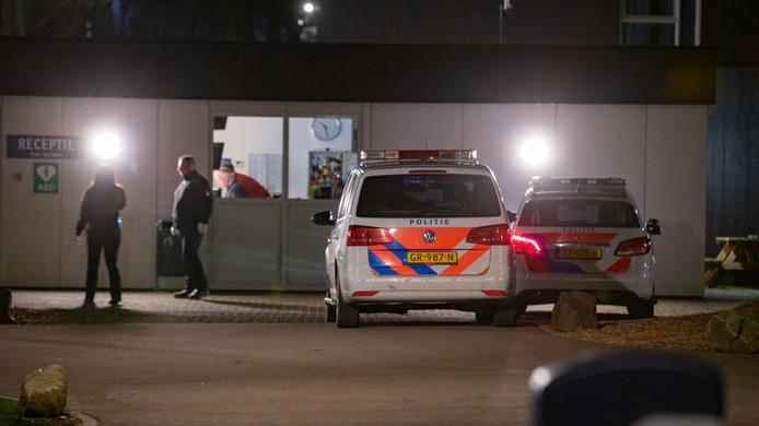 Het asielzoekerscentrum in Zutphen gisteravond.