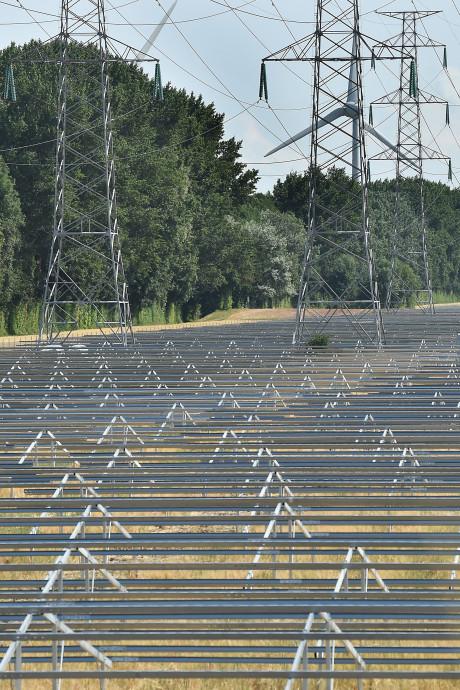 Stekker kan bijna in het grootste zonnepark van Nederland