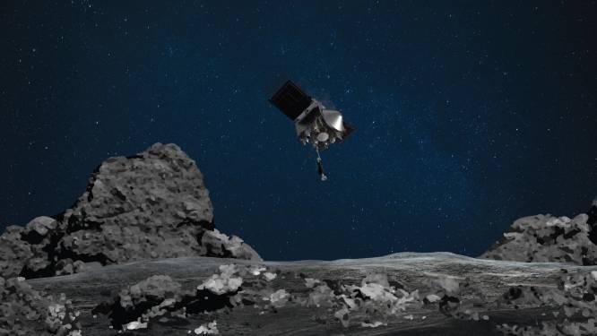 Ruimtesonde maakt zich klaar voor precisielanding. Doel van de missie? Stukje ruimterots naar de aarde brengen