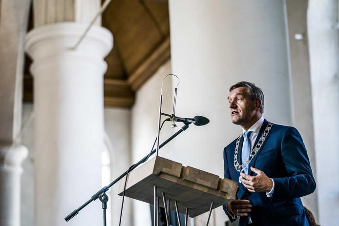 2019-08-26 15:01:54 LEEUWARDEN - De installatie van de nieuwe burgemeester van Leeuwarden, Sybrand Buma. De Nederlandse politicus Sybrand van Haersma Buma was sinds 2002 Tweede Kamerlid voor het CDA. ANP SIESE VEENSTRA