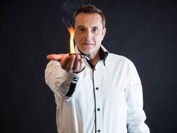Kurt Katana is bekend als goochelaar