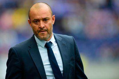 Porto bedankt coach Nuno Espirito Santo voor bewezen diensten
