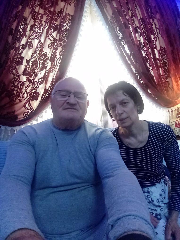 Silvere Naessens en Christa Samyn in hun appartement in Marokko.
