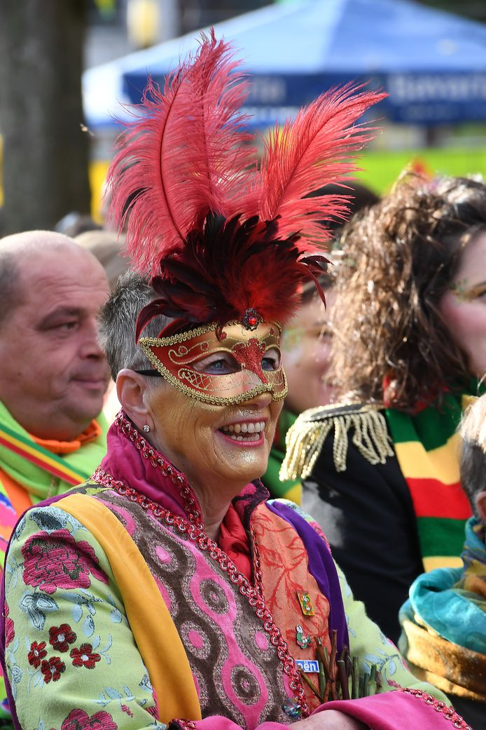 En ook maskers waren populair tijdens de 11devande11de in Overloon.