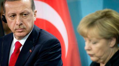 Erdogan wil persoonlijk gesprek met Merkel