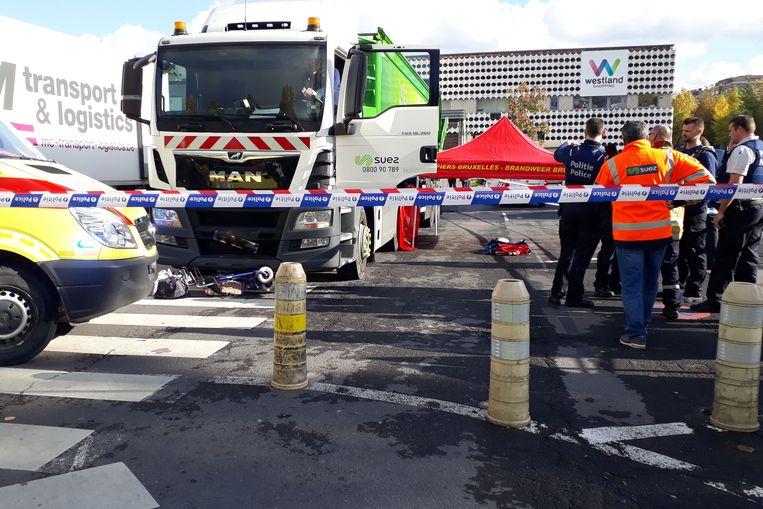 Op de parking van het winkelcentrum Westland Shopping in Anderlecht is deze middag een dodelijk verkeersongeval gebeurd.