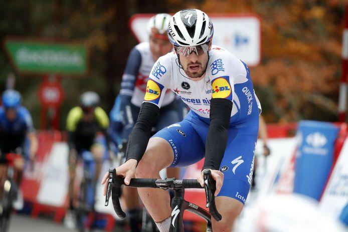 Mattia Cattaneo aura animé l'étape jusqu'à 3,5 kilomètres de la ligne.