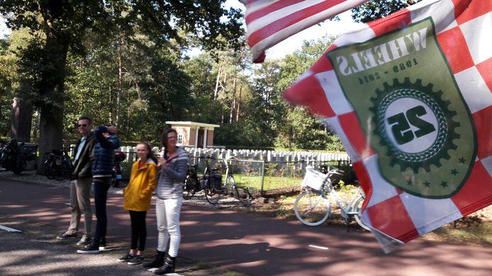 Herdenkingstocht Market Garden bij War Cemetery in Valkenswaard.