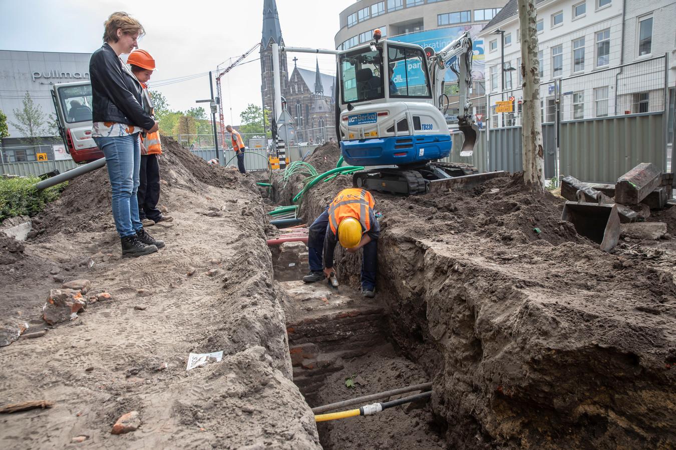 Vorig jaar werden er al resten van Kasteel Eindhoven gevonden op de plek waar nu de Ten Hagestraat ligt