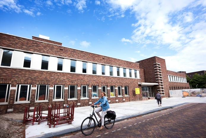 Utrecht - Het Gezondheidshuis in aanbouw op het voormalige parkeerterein van het Diakonessenhuis (Foto Marnix Schmidt)