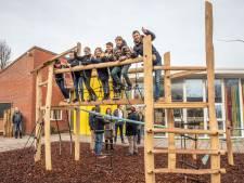 De Kamperschouw heeft prachtig 'groen' schoolplein: 'Dit maakt de pauzes wel heel veel leuker'