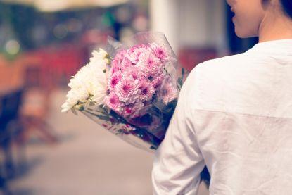 Voortaan kun je ook bloemen en reparaties met ecocheques kopen