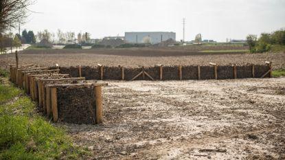 Houthakseldammen aangelegd in Oorbeek en aan Industriepark tegen water- en modderoverlast