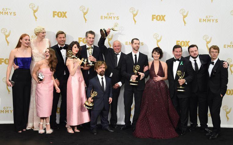 De Emmy-winnaars van Game of Thrones poseren voor de foto. Beeld null