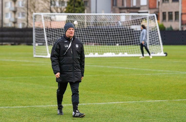 Laszlo Bölöni vergeeft zijn spelers Mirallas en Benson