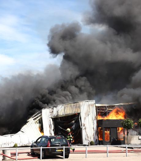 Zeer grote brand op industrieterrein in Culemborg