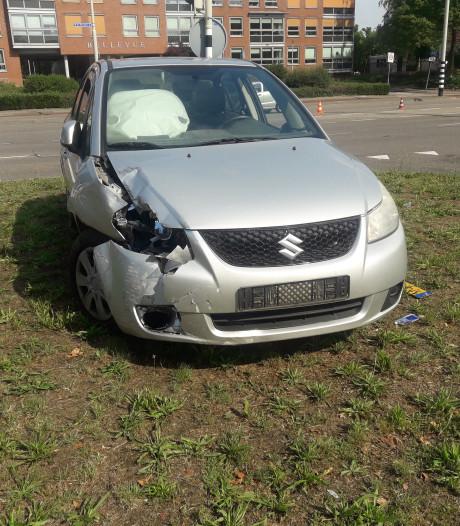 Gewonde door botsing tussen twee auto's in Nijmegen