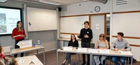 Leerlingen Stedelijk Gymnasium krijgen weer voor de helft van de tijd vanuit huis les