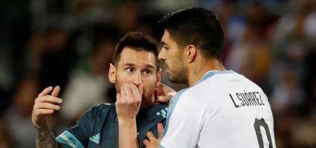 Messi en Suarez houden elkaar in oefenduel in evenwicht