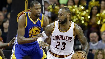 NBA-seizoen deze nacht van start: wie stopt Warriors en Cavaliers?