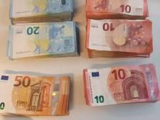 Politie vindt 42.000 euro in auto van werkloze Rotterdammer
