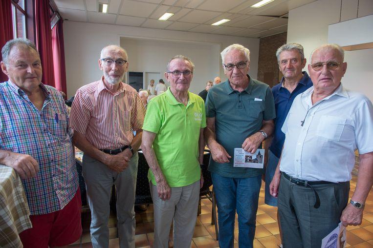 SINT-AMANDS - OKRA Sint-Amands organiseerde het 25ste zomerfeest - in het midden: voorzitter Antoine Steenhuyse