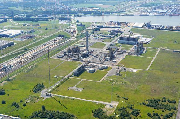 De nieuwe fabriek komt op de site aan de Sint-Jansweg waar nog voldoende plaats is voor nieuwe activiteiten.