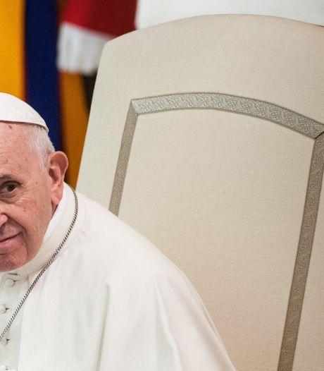Union civile des couples homosexuels: des médias mentionnent une possible censure papale