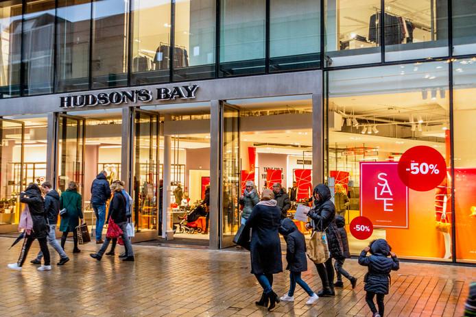 2968a19168da60 Drama dreigt voor Hudson's Bay, dat winkels heeft in Tilburg en Den ...