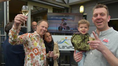 Trainer Kurt Lobbestael viert met vrienden en familie nieuw werelduurrecord Victor Campenaerts