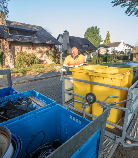 Doek valt voor afvalproef in wijk de Molenakkers in Eersel