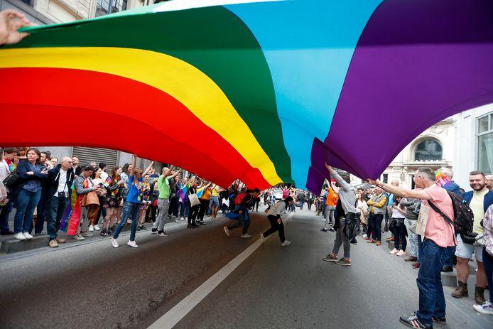 De regenboogvlag tijdens de Belgian Pride-parade.