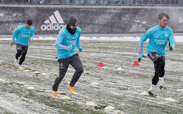 Thibaut Courtois en Eden Hazard op training bij Real Madrid