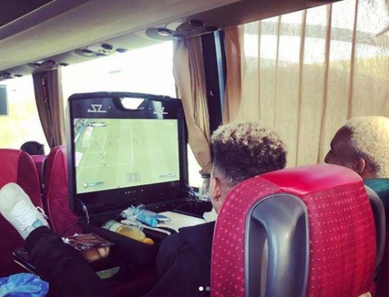 FIFA spelen op de bus: ook dat is geen probleem meer.