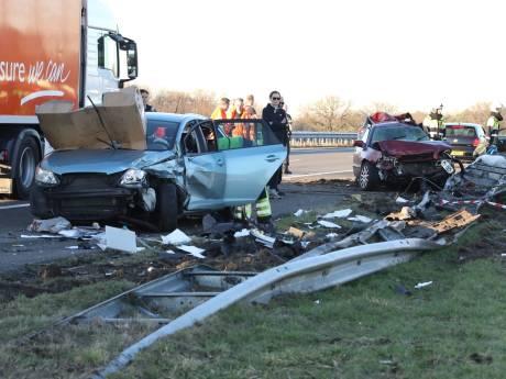Man (52) overleden aan verwondingen na ongeval op A50 bij Nistelrode, vrachtwagenchauffeur aangehouden