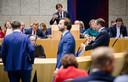 Klaas Dijkhoff (VVD), Premier Mark Rutte, Thierry Baudet (FvD)  en Alexander Pechtold (D66) tijdens de tweede dag van de Algemene Politieke Beschouwingen. Die lijken geen effect meer op de peiling van deze week te hebben.