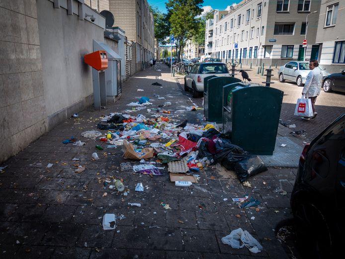 Dit soort beelden zijn inmiddels dagelijkse kost in de Haagse wijk Transvaal.