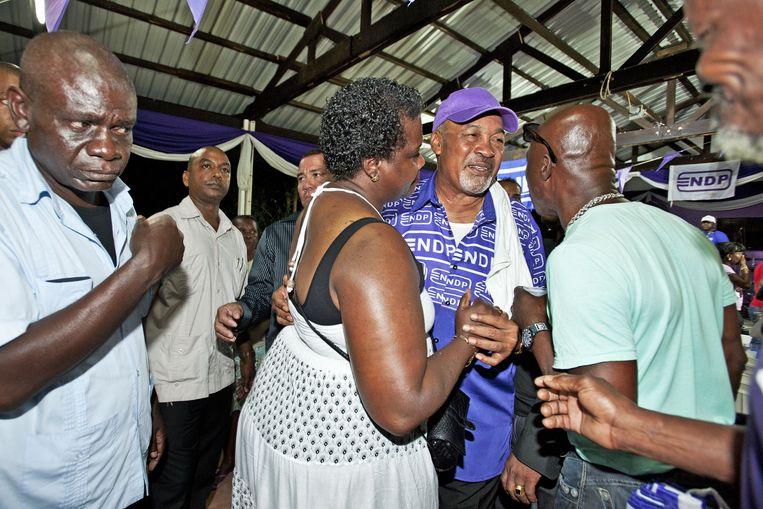 President Bouterse op campagne in Coronie, op twee uur rijden van Paramaribo. Zijn NDP is met 17 zetels de grootste partij van het land. Beeld Guus Dubbelman/de Volkskrant