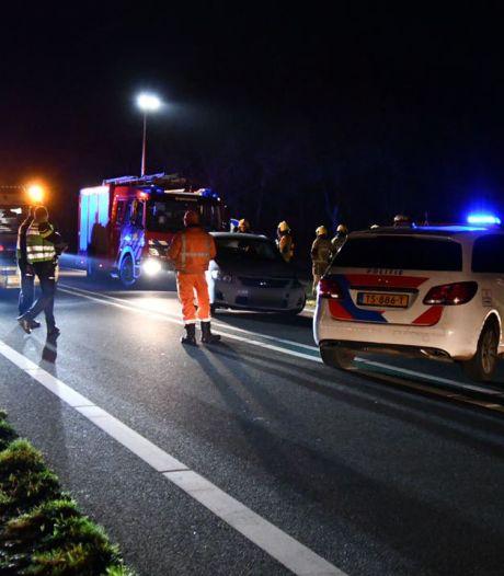 Weer is het raak op de N36: weg dicht na ongeluk