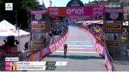 Bekijk hier de slotkilometer van ritwinnaar Chad Haga in de 21ste Giro-etappe